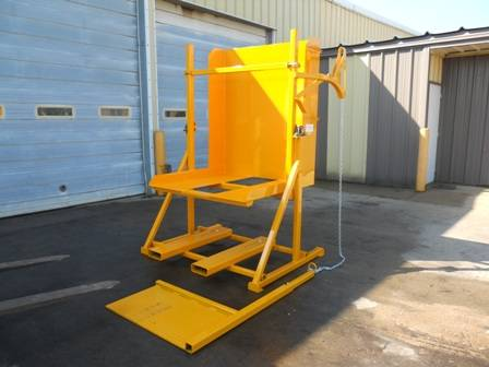 Discharging machine for pallet boxes/ mechanical discharge system for pallet boxes/ mechanized pallet boxes discharger