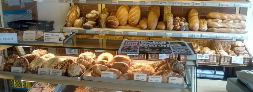 bread and bakery crates