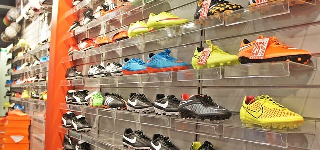 large foldable containers in sports retail